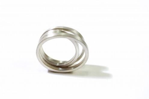 Pebble tri ring
