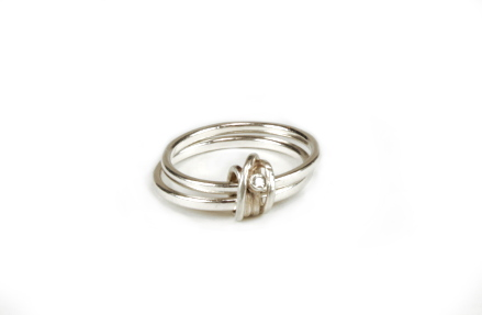 2-silver-knott-ring-with-diamond